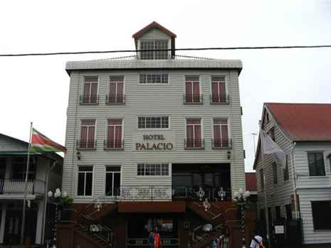Book hotel in Paramaribo