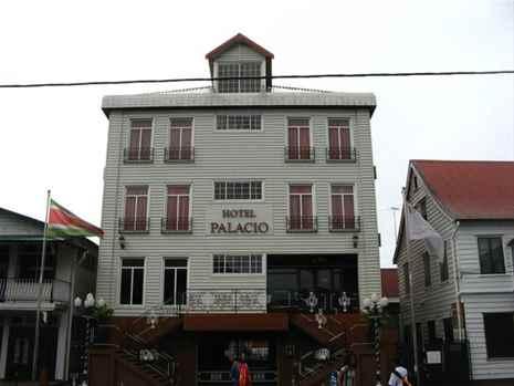 Book hotel in Paramaribo