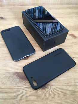 Apple iphone 7 plus 128gb And Samsung galaxy s8 Edge 128gb, Black